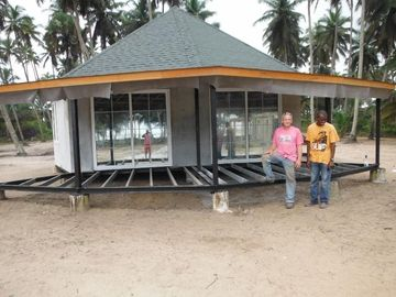 China New design Prefab Bali Bungalow , Overwater Bungalows For Seaside distributor